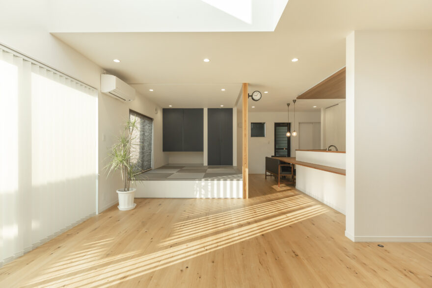 こだわりカラーの塗り壁 BEシステムのお家1